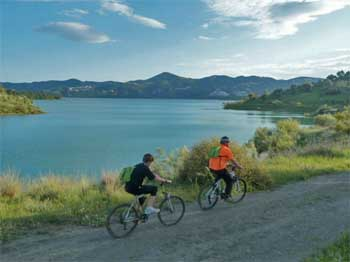 Bike Tour am Viñuela Stausee